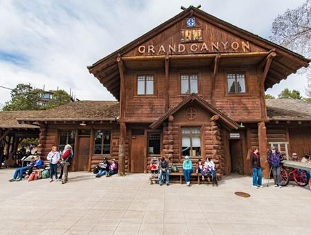 Hotels Near Grand Canyon Railway